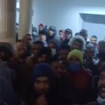 تطاوين: مُعتصمو الكامور يقتحمون مقرّ الولاية ويُطالبون بعزل الوالي
