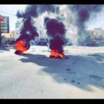 اتّهموا الحكومة بالتسويف: أعضاء تنسيقية الكامور يُغلقون الطرقات ويُشعلون الاطارات المطاطية