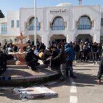 حاولوا اقتحام مقر الولاية والاعتصام بها: قوات الأمن تُفرّق معتصمي الكامور بالغاز المسيل للدموع /صور
