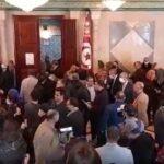"""أعوان البرلمان في وقفة احتجاجية: موسي نعتتنا بـ""""الجرذان"""" كالارهابيين"""
