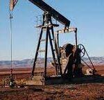 """مسؤول عن ملفّ المحروقات: شركات النفط العالمية غادرت تونس وبقيت منها """"إيني"""" و""""شال"""" وهما يبحثان اليوم عن مُشترين لحصصهما"""