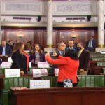 البرلمان: كاتب عام النقابة يتسبّب في فوضى وفي رفع الجلسة العامّة