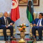 رئيس المجلس الرئاسي الليبي ونائباه في استقبال سعيّد