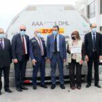 """وزارة الصحة: وصول أول دفعة من لقاح """"فايزر"""" (صور)"""