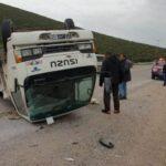 بنزت: اصابة 30 عاملة فلاحة في انقلاب شاحنة