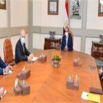 """بعد مغادرتها تونس: عبد الفتاح السيسي يستقبل كبار مسؤولي شركة """"ايني"""" الايطالية ويدعمها لتعزيز استثماراتها في مصر"""