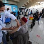 جامعة الصحة ونقابة الأطباء يرفضان تقديم التلقيح للاطار التربوي