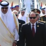 سنوات بعد قطع العلاقات: السيسي يلتقي أمير قطر في بغداد